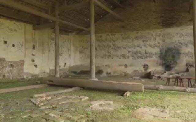 《中国村落》:勾蓝瑶寨古代壁画岌岌可危 《水龙祠》瑶族地区唯一可见古代建筑壁画