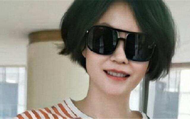 天后王菲挑战绿发色
