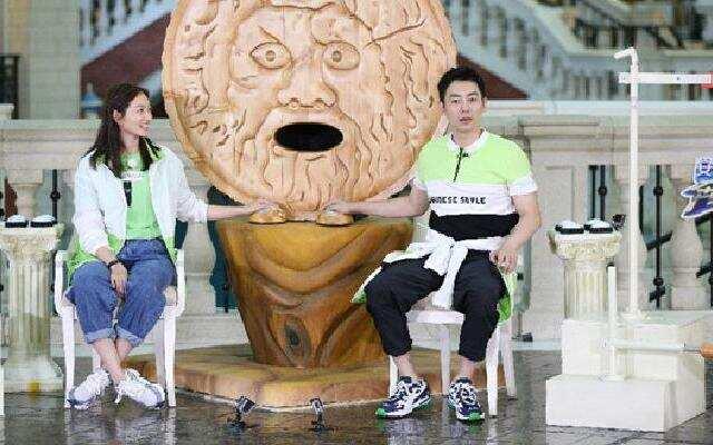 """《奔跑吧3》:沈佳妮到来朱亚文害羞  现场撒""""狗粮""""很浪漫"""