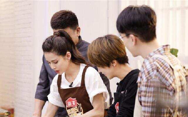 《熟悉的味道4》:李若彤现场偷师 老菜新做情谊满满