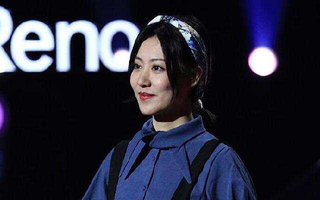 《2019中国好声音》:杨一歌《小小》 网络主播引导师强烈兴趣