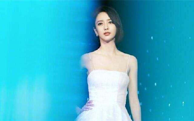 蓝朋友报到:佟丽娅生日   陈思诚零点准时送祝福