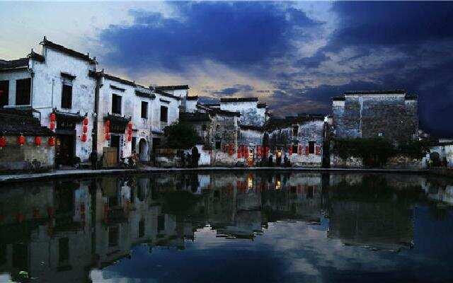 """《中国村落》:六百多年的牛形村落宏村 古代水利系统的""""活教材"""""""