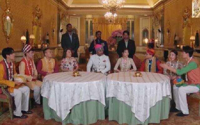 《各位游客请注意》:钟楚曦一行迎接印度王子 身穿印度服饰文化交流
