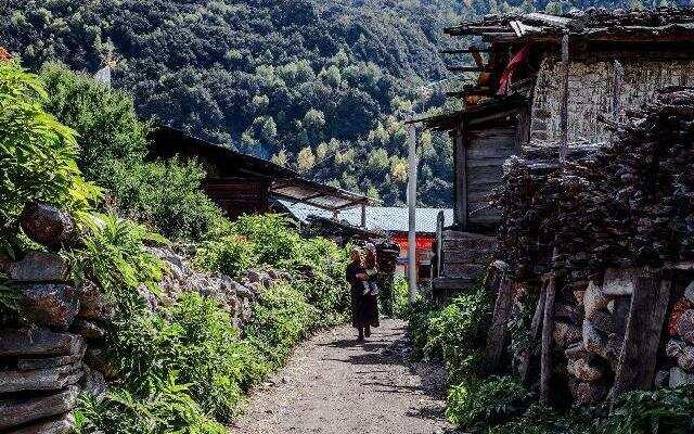 《中国村落》:传承千年的经幡与梗舞 工布江达错高村