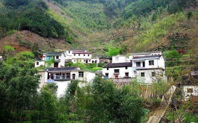 《中国村落》:三十岁要做点啥 安徽绩溪伏岭村