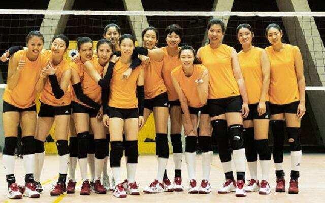 《中国女排》女排冠军队员集体出演