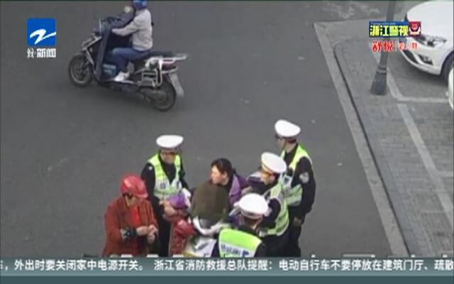 无证驾驶无牌摩托车  女子暴力袭警被拘留