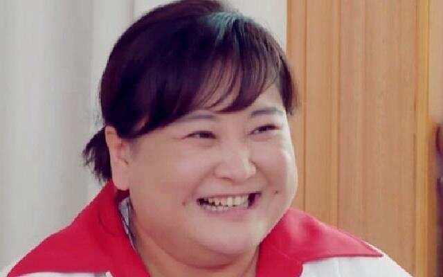 《青春环游记2》:看图片猜明星赢小吃 贾玲范丞丞换位子遭打脸